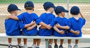 kids_on_bench-460x246